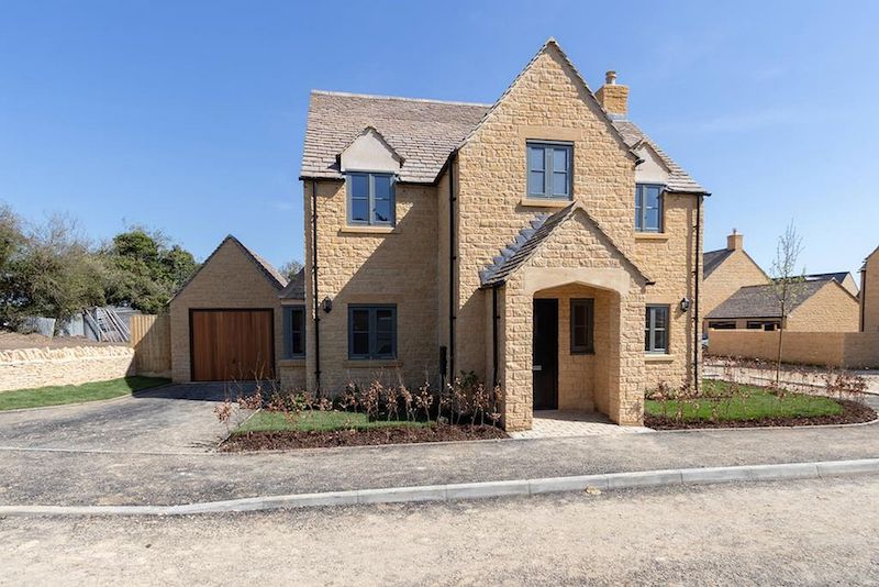 Ariston brings comfort to Cotswolds housing development
