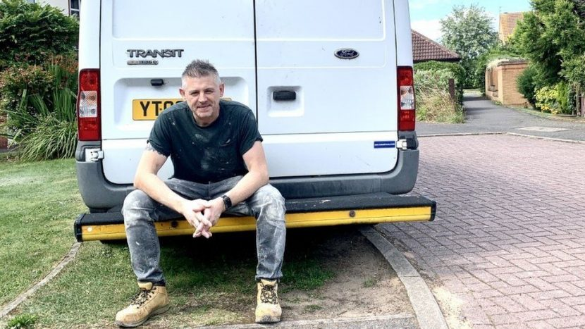 Singing plumber gets a record deal