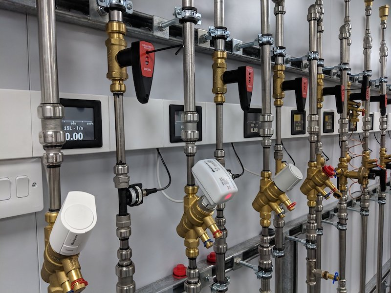 Hands-on training with balancing and commissioning valves