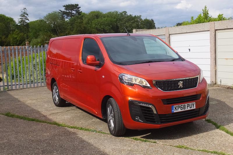 Van Test: Peugeot Expert Asphalt